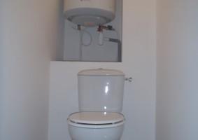 CHAUFFE-EAU ET WC